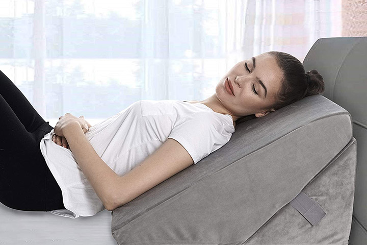 Tips to Choose a Bed Rest Pillow That Works