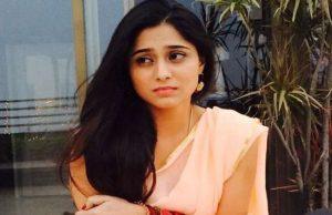 soumya-seth-cute-pic